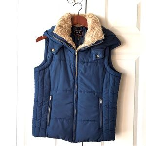 Love Tree Puffer Hooded Vest -L